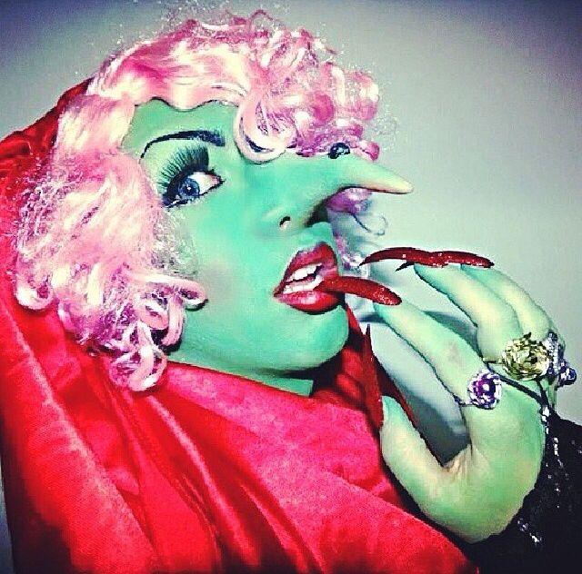 Make up witch caracterización