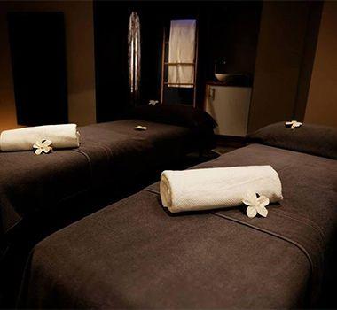 les 25 meilleures id es de la cat gorie salle de massage sur pinterest id e d co pour salle de. Black Bedroom Furniture Sets. Home Design Ideas