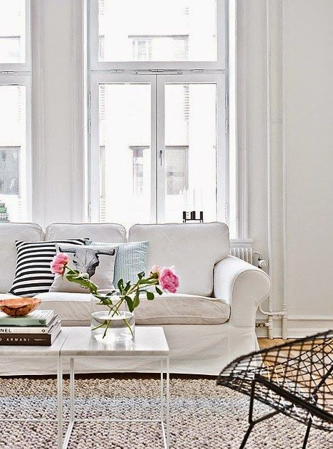 Beautiful living room via My Scandinavian Home.