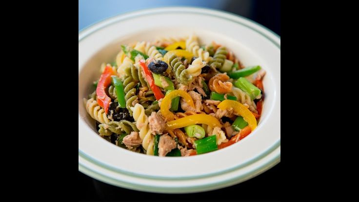 If youre looking for a light dinner with low amounts of calories some nice pasta with tuna and veggies should do the trick! Weve added some bell peppers olives and spring onion but you can easily add in more of your favorite veggies!  --------------------- Follow us on: Facebook: http://sodl.co/2dRsH0l Instagram: http://sodl.co/2eMvdCP  Twitter: https://twitter.com/sodlco  Pinterest: http://sodl.co/2jq3kHY