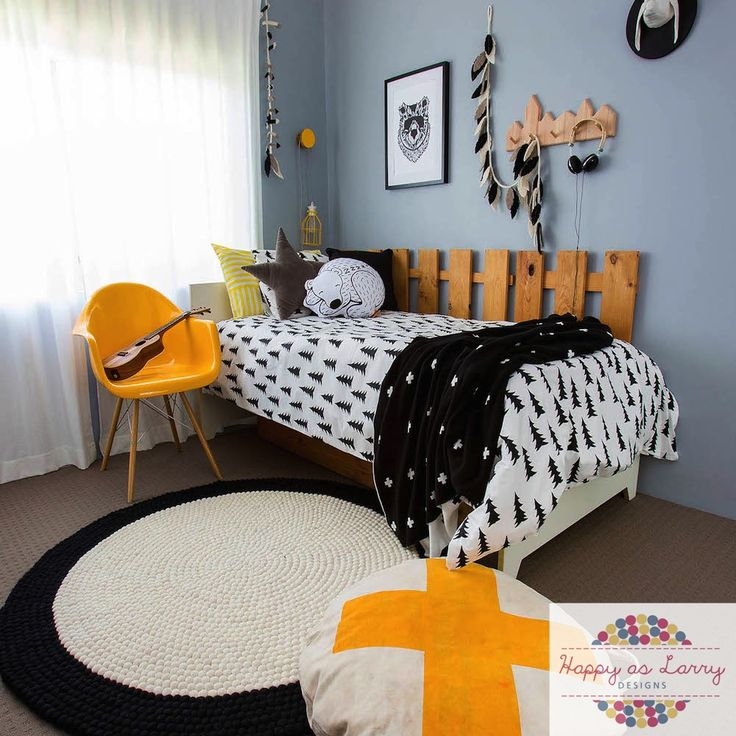 Black and white kids room ideas by Happy As Larry Designs. Visit www.happyaslarrydesigns.com