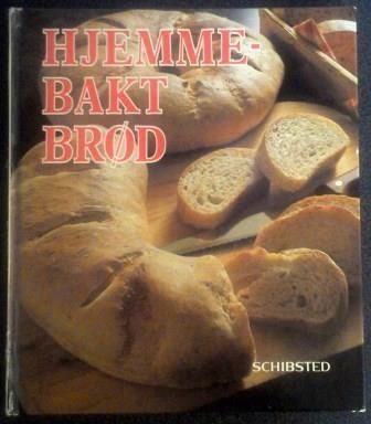 Brita Olsson, Lillemor Hvitfeldt Wallentinsson og Eva Högdal  HJEMMEBAKT BRØD  Hvordan lager man brød med surdeig, skonrokker, knekkebrød, lefser eller croissanter? Svarene er i denne boken.