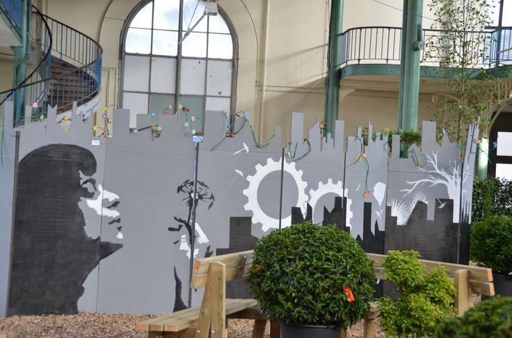 """""""Live painting composition"""" 2014 - Acrylique sur carton - David Mostacci et Zacharie Vahalewyn   Construction de cloisons verticales et réalisation de fresques sous forme de performance par David Mostacci et Zacharie Vanhalewyn."""