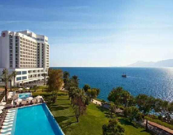 Akra Barut Otel'in eşsiz manzarasına karşı haftaya başlamaya ne dersiniz? How about starting the new week with the fabulous scenery of Akra Barut Hotel?  #AkraBarutHotel #Monday