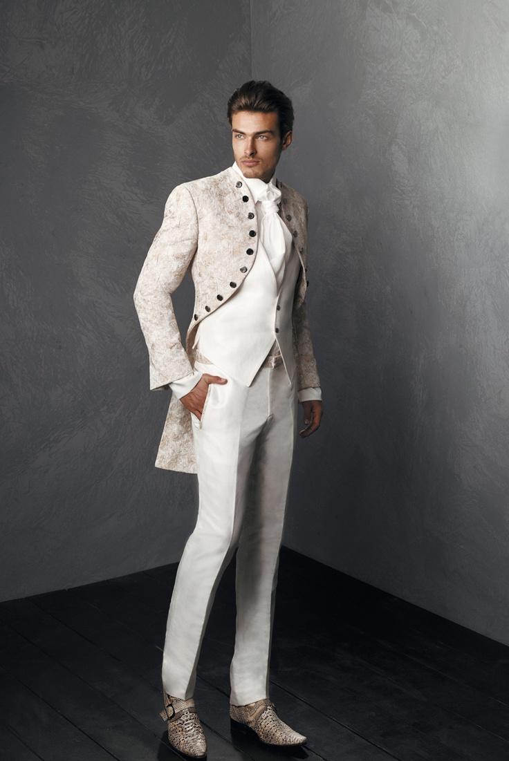De bruidegom gaat ook in wit..... volgens Archetipo