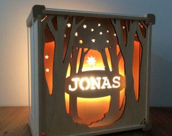Nachtlampje met naam thema Tussen de bomen van houtlokael op Etsy