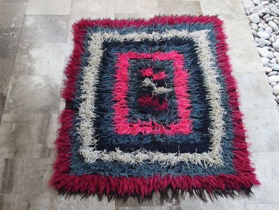 Antico Flokati tappeto tribale multicolore di VintageHomeStories