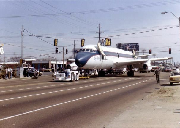 Move the Lisa Marie Plane from Memphis international airport to were it is now across from Graceland.