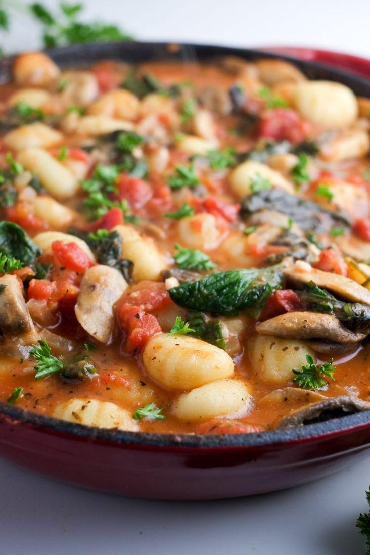 Easy Weeknight Veggie Gnocchi Recipe 7 points plus Vegetarian Main Dishes, Healthy Dishes, Veggie Dishes, Vegetarian Recipes, Cooking Recipes, Healthy Recipes, Healthy Kids, Weeknight Recipes, Veggie Meals