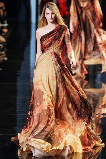 A fiery gown for Melisandre