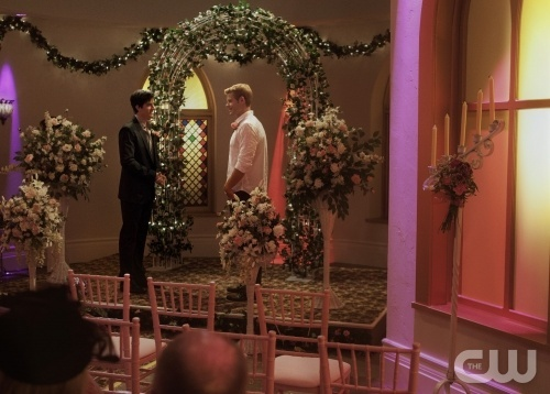 Getting hitched in Vegas! - Ryan Rottman - Trevor Donovan - 90210