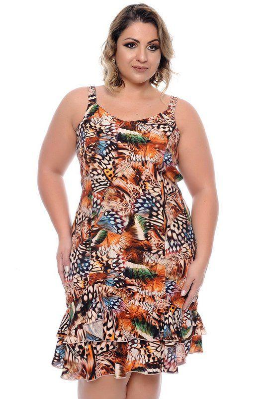 570f32c41 DESCRIÇÃO Vestido Plus Size Ohana.Vestido midi produzido em viscose, sem  manga, abertura latera com fechamento por zíper, barra com babado e forro  interno.