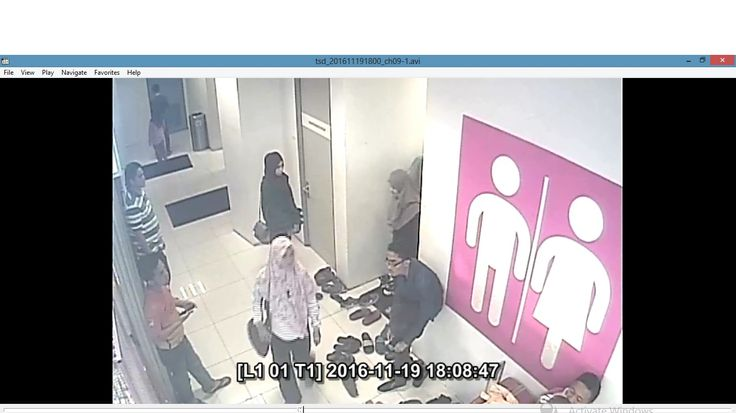 Kejadian curi beg di GM Klang security GM Klang teruk! polis pulak kata kalau sayang dekat kereta duduk sini tunggu kereta dan terus pergi   Satu tindakan tidak patut dari security GM Klang mereka dibayar gaji untuk apa? untuk duduk saja je ke. Beg wanita ini dicuri oleh seorang wanita di dalam surau. Mungkin nak tutup kes security GM Klang sanggup beritahu wanita ini tidak bawa beg ke surau walhal cctv memaparkan sebaliknya. Ikuti luahan dari wanita iniArijan Najihah:  Kejadian curi beg di…