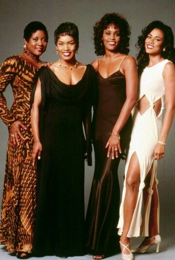 Loretta Devine, Whitney Houston, Angela Bassett, Lela Rochon in Waiting To Exhale