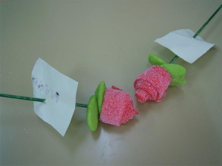 """Roses de """"xuxe"""" per Sant Jordi"""