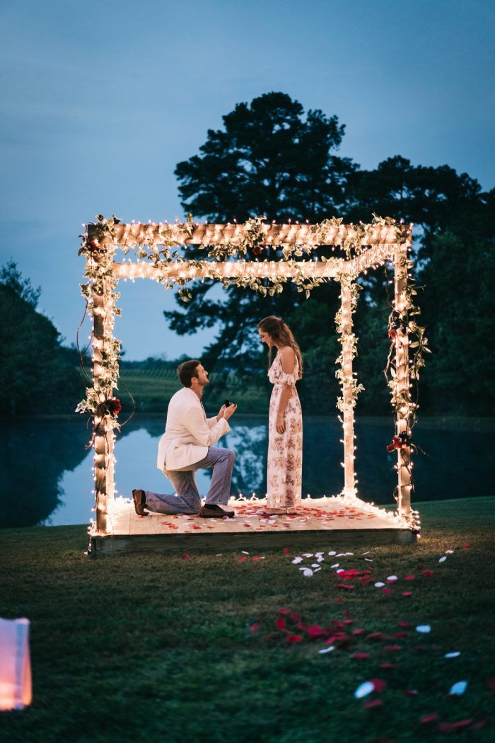 This Guy Pulled Off a Pinterest-Perfect Proposal in His Very Own Backyard