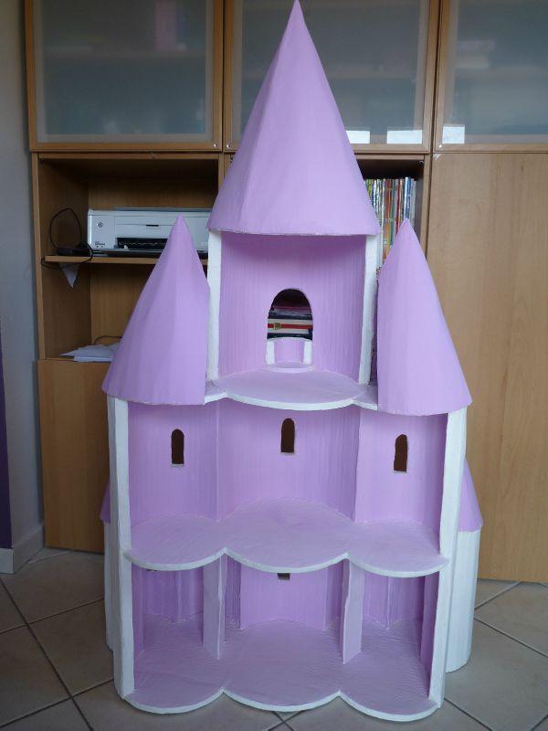 un ch teau de princesse pour mes princesses cadeaux d 39 enfants chateau roi reine chevalier. Black Bedroom Furniture Sets. Home Design Ideas
