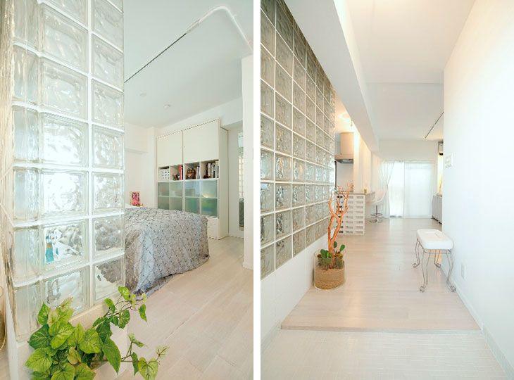 (写真左)ガラスブロック越しの風景が格別の寝室 (写真右)玄関から室内を望む。無垢の床材や壁面の白塗装は濃度を変えて表情を演出しました