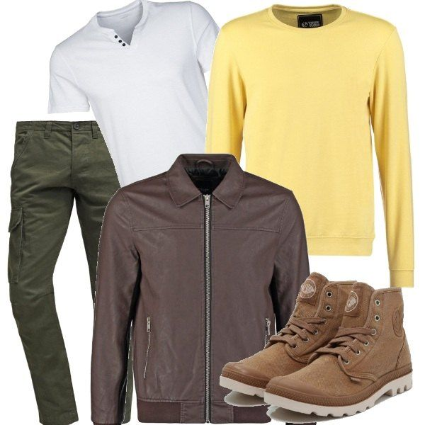 Giacca marrone, stivaletti sabbia con lacci, pantaloni cargo verde militare e t-shirt bianca per un casual look a strati da poter indossare tutto il giorno.