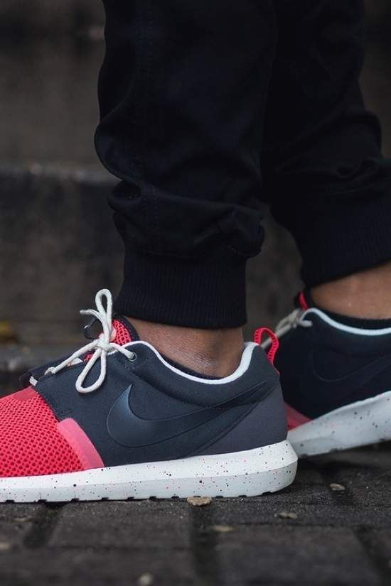premium selection c146c 90376 ... sweden nike roshe run fur waterproof alle deep blå hvid sneakerdiscount  8956e bb1a2