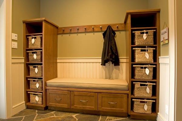 Shoe coat storage cool ideas pinterest mud rooms - Shoe and coat storage ideas ...