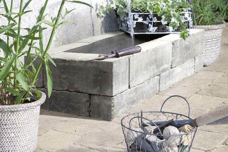 Balkvormige palissades voor uw tuin of terras.Verouderd effect om zo in uw rustieke of gezellige tuin te passen.Beige (Oud wit) is ideaal in combinatie met andere Marlux tegels of klinkers.Geschikt voor de afwerking van perkjes, trappen en vijvers.Kunnen zowel horizontaal als verticaal gebruikt wordenVorstbestendig.