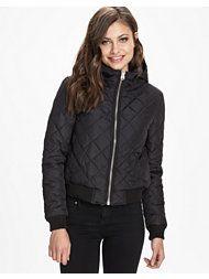 http://nelly.com/se/kl%C3%A4der-f%C3%B6r-kvinnor/kl%C3%A4der/jackor/sallycircle-541/must-quin-jacket-541921-14/