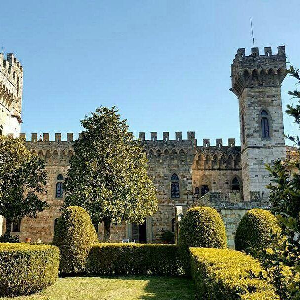 Abbey of Passignano #tuscany #wonderful #art #castle #church  #chiantilife #chiantilovers #ilovetuscany #chianticlassico #instamood #instadaily #picoftheday #volgotoscana #toscana_friends #instawine #italy #greveinchianti #love