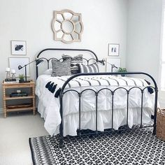 A new #post on Home Bunch just went live! Make sure to stop by the #blog #today to see many #interiordesign ideas and know all sources such as #paintcolors & #decor. This #farmhouse #bedroom was designed by my friends @lark.interiors. They are truly incredible and you need to #follow their page! #Rug & Bed are #magnoliamarket. #fixerupper #HGTV #farmhouse #interiors #Interiordesigner #farmhousegoals #bedrooms