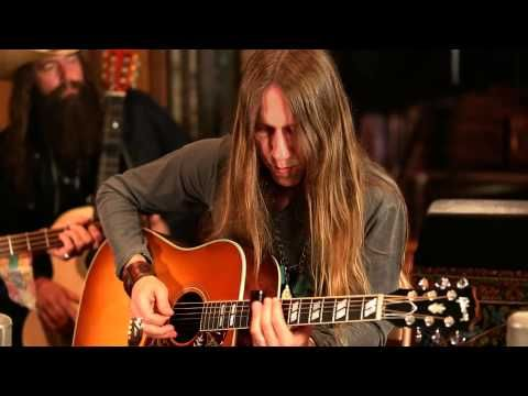 Blackberry Smoke - Ain't Much Left Of Me from Southern Ground Studios (Acoustic) - YouTube