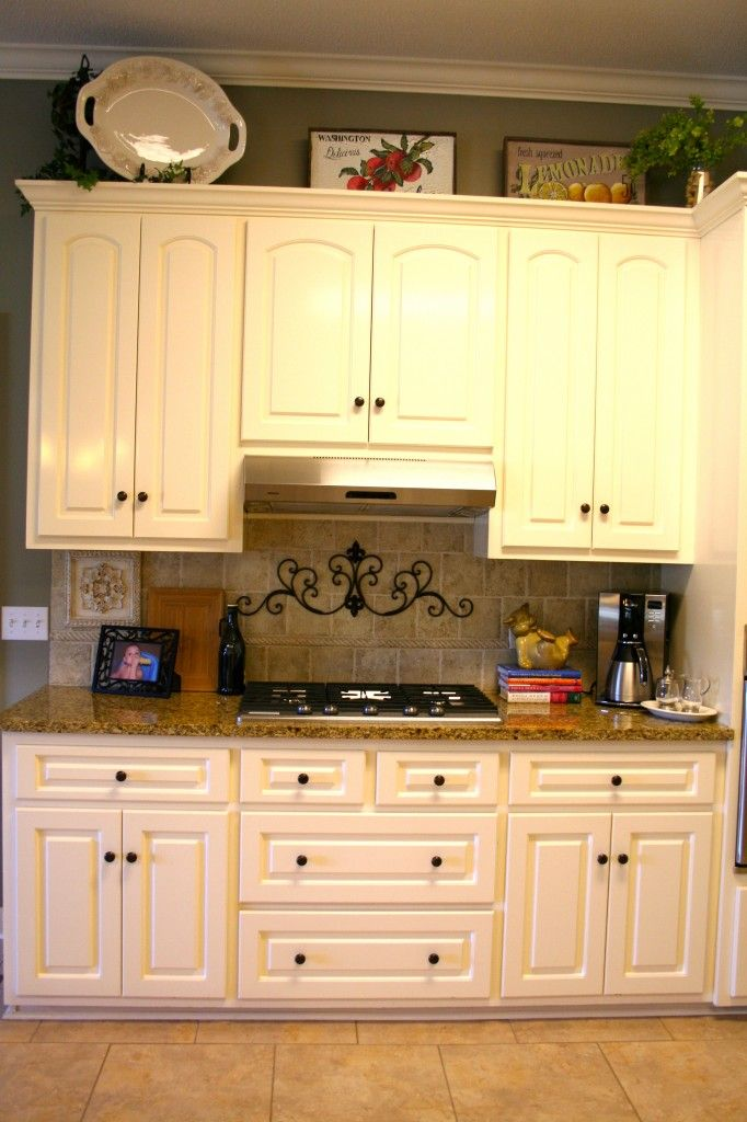 Tour The House Islands Chalk Paint Kitchen Cabinets And