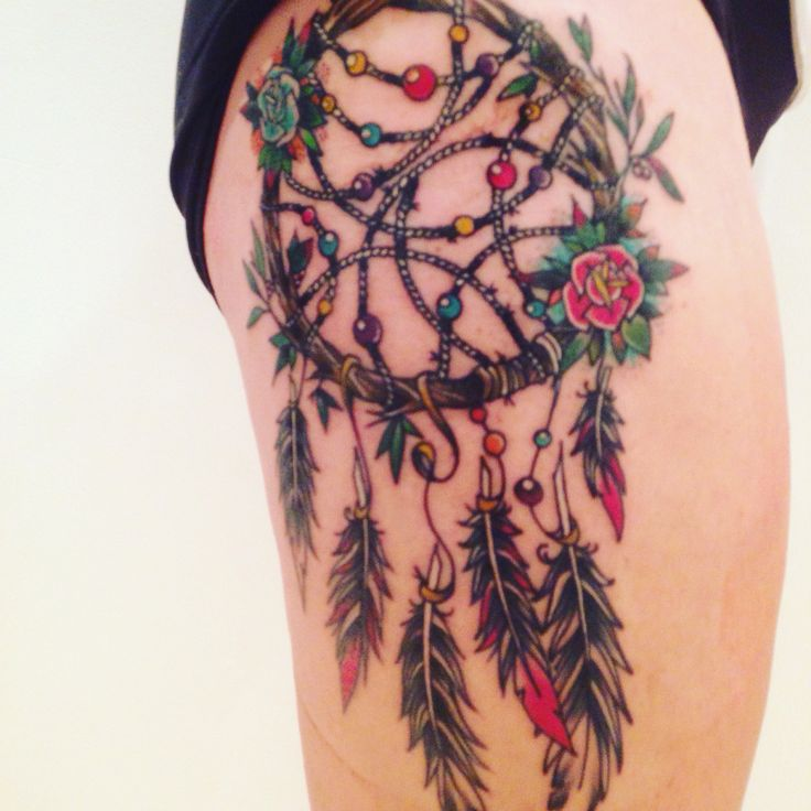 Dreamcatcher tattoo #dreamcatcher #tattoo #thigh #leg #traditional #americanstyle #montreal #canada #inked #inkedgirls #woman #female #ink #native #indigenous