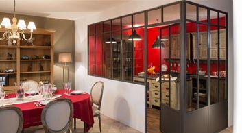 Verrière d'intérieur loft et atelier d'artiste avec traverse et soubassement, Cloison vitrée en acier...