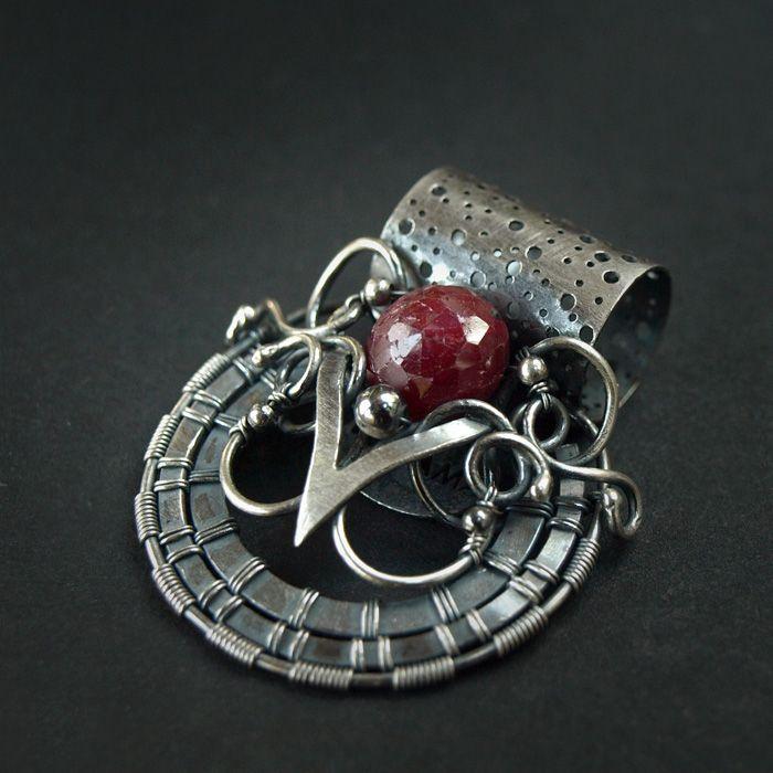 Noyon Royal Ruby 2 by ~AMARENOstyle on deviantART
