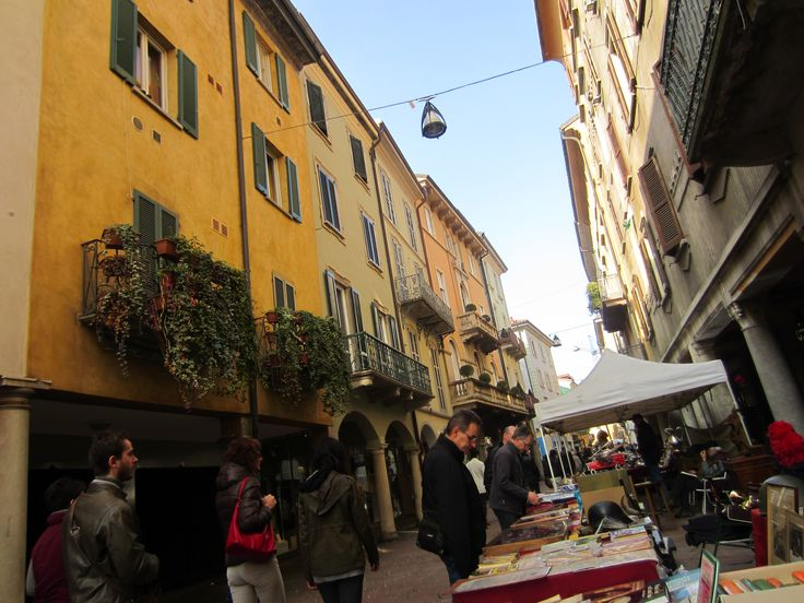 Main district in Varese, a market