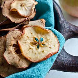 Baked Apple Chips HealthyAperture.com