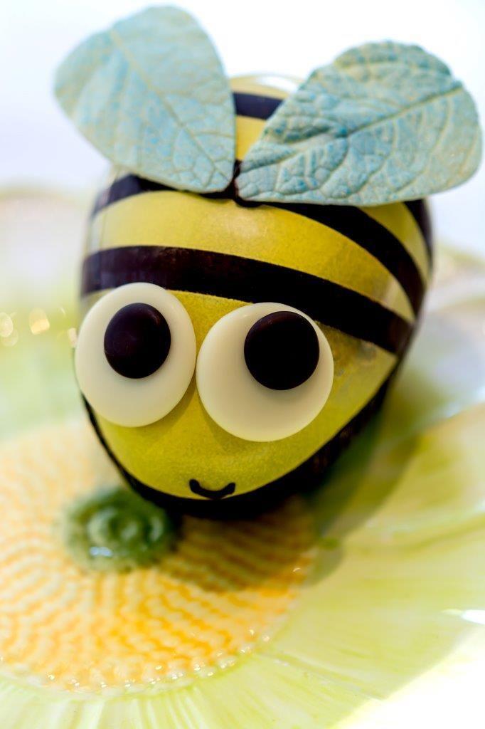 Honey bee au chocolat. www.gemchocolates.ca