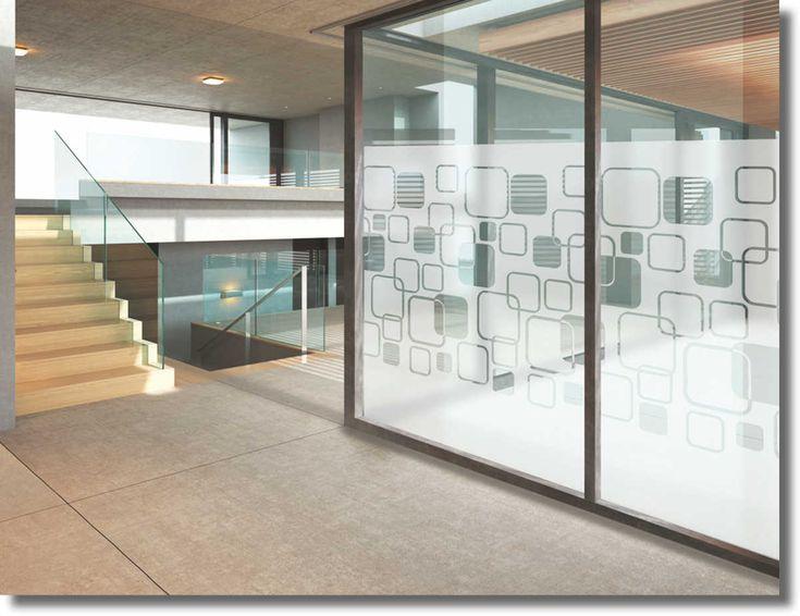 Gardinen war gestern!  Der perfekte Sichtschutz bei fast hundertprozentigem Lichteinfall und sehr elegantem Design.      Selbstklebende bedruckte transparente Folie     Einfache Montage im Innen- und Außenbereich möglich     Leicht zu reinigen - splitterbindende Wirkung
