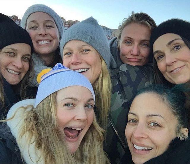 #DrewBarrymore, #GwynethPaltrow, #NicoleRichie, & #CameronDiaz give #EllenDeGeneres's famous Oscar selfie a run for its money. (📷: @drewbarrymore)