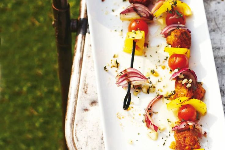 Ga voor vega en kleurrijk op de barbecue met deze lekkere spiesen. - recept - Allerhande