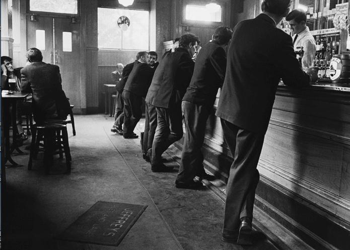 Jürgen SCHADEBERG :: Scottish pub Glasgow, 1968
