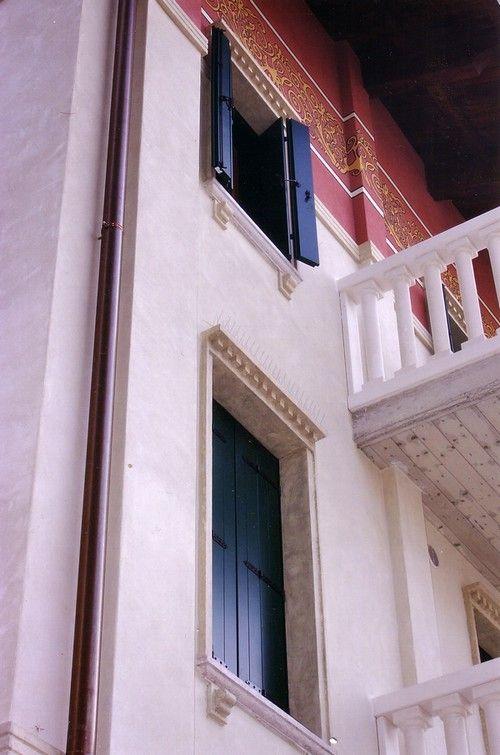1000 ideas about finestre angolari su pinterest tende - Soglie per finestre ...