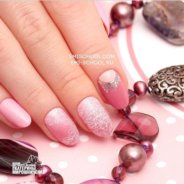 """Дизайн для """"опоздавших"""" клиентов!👍 для этого вам понадобиться Нейлкруст в белом цвете номер 3, на один пальчик шармикон по лунке!😉Цвета #emilac """"мисс Emi""""  и """"Пыльный кедр"""". ...............: #EmiManicure #EmiLac #EMi #EmiDesign #manicure #emischool #nailart #nails #gelpolish #instanail #нейлкруст #дизайнногтей #маникюр #nailcrust #гельлак  # #ногти #педикюр #шеллак #nailart #nailpro #nailswag #naildesign #nails4today #nailstagram #nails2inspire #handpainted"""