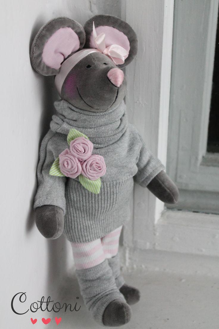 Grey mouse www.annaporeda.blogspot.com