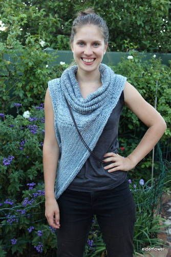 Asymmetric Cowl in the 'Hunger Games' style - now with pattern - KNITTING