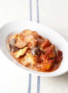 鶏むね肉となすとにんじんのトマトチーズ煮