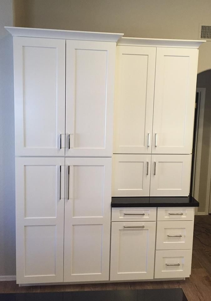 Waypoint Living Spaces Cabinetry Shown In 650f Shaker Door Style In Painted Linen Pantry
