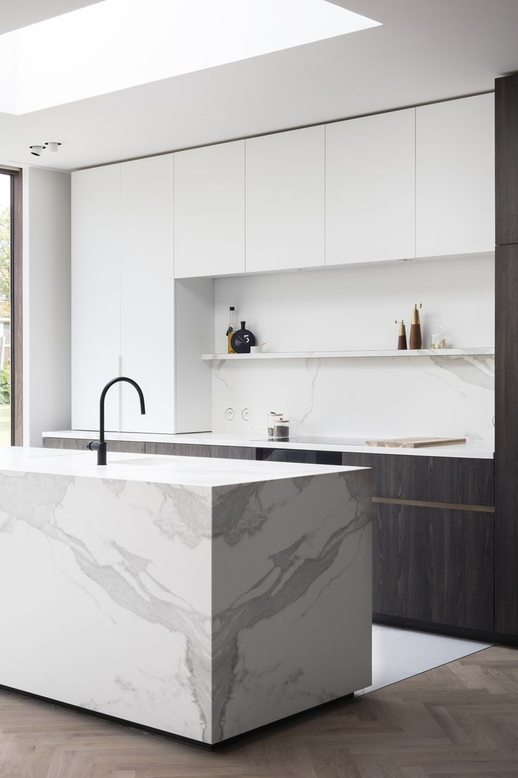 BEELDPUNT - totaalverbouwing door Interieurarchitect Alexander Hugelier - ft BOMARBRE'S CERATOP ESTATUARIO - FULL CERAMIC KITCHENTOP   Fotografie Valerie Clarysse