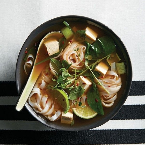 Cozy soups are one of the things we love most about cold-weather eating—and this vegetarian rice noodle soup is a new go-to favourite.