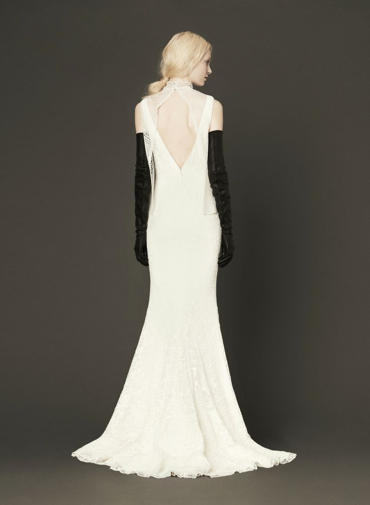 Vera Wang V Back Wedding Dress With Lace Overlay New To